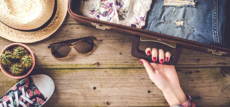 Faire ses bagages pour voyager seul